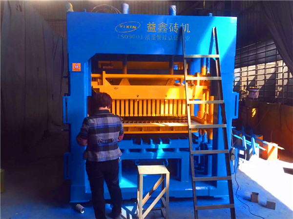 QT12-15 High Quality Automatic Hollow Block Making Machine