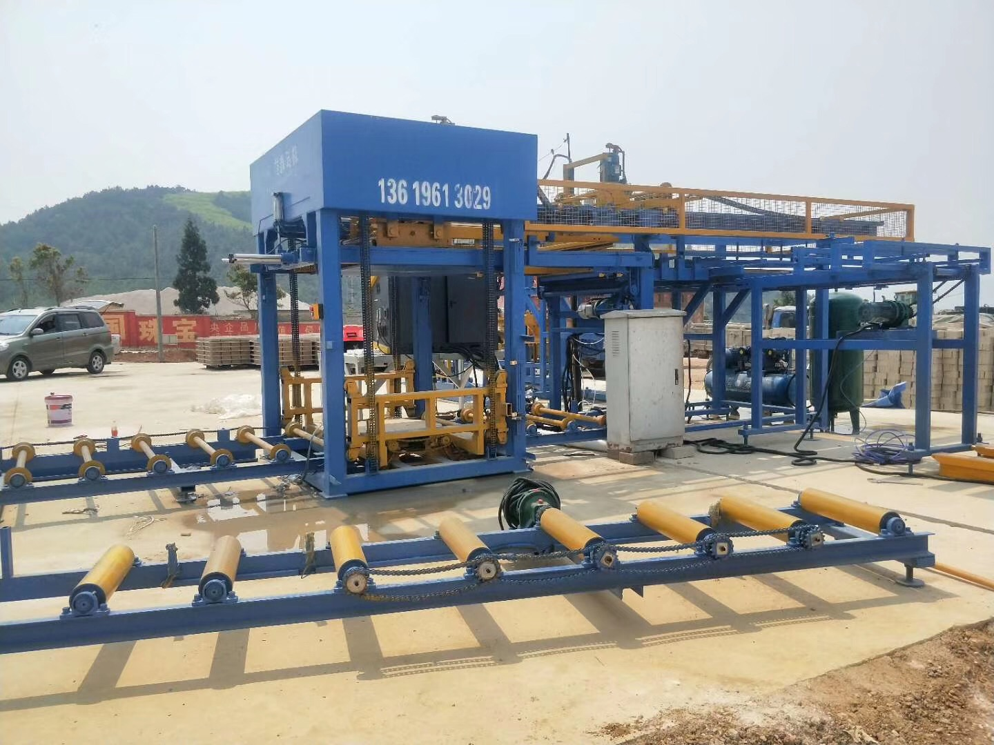 Yixin QT6-15 Concrete Paving Brick Machinery Factory