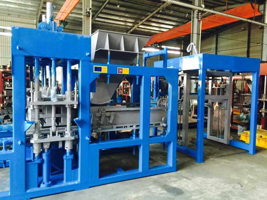 Intelligent Concrete Hollow Block Free Pallet Production Device Yixin Free Board Block Making Machine